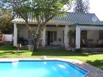 MARTIAL EAGLE & BATELEUR SELF-CATERING COTTAGES-SEPARATE ENTRANCES