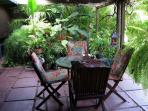 Beautiful Fully Furnished 2 BR/2BA Kailua Home in Garden Setting