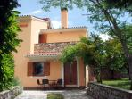Apartment on Holiday Farmhouse with swimming pool, peaceful location, 18 Km to the beach, sleeps 2 - 3