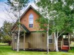 Gorgeous 3 bed/2 bath cabin, backs to the golf course