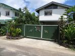 Security gate to property; gate automatic opening
