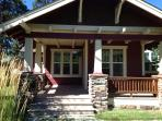 Second Street Bungalow--Pets, Hot Tub, Clean, Cozy