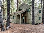 Cozy & well furnished cabin w/ access to shared pools, hot tub, sauna, & tennis