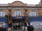 Earls Court Tube - 2 min walk from the Apartment