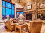 Fox Paw Lodge - ski in/out, pool table, shuttle