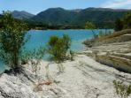 Lake Fiastra - swimming & trekking - 40' away