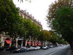 Luxury shopping Avenue Montaigne nearby