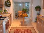 Lovely, Fully Stocked Kitchen