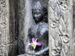 Buddha Welcoming Statue