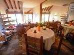 Dining room - salle à manger pour 4