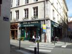 Rue Bayard -restaurant at 50m.