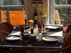 Dining (up to 4 people)
