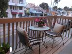 Upstairs outdoor patio for people/fireworks watching
