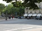 Café Costes place des Invalides