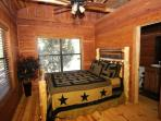 Bedroom#1: Custom log queen bed, 500+ thread count bed sheets, en suite bath w/jacuzzi tub