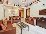 MODERN 3 BEDROOMS FULLY FURNISHED APARTMENT LIVING ROOM  AND DINING AREA AND WIFI...