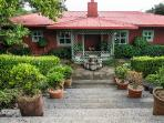 Casa del Lago, cozy farm house