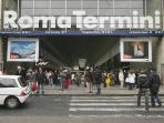 Termini Central Rail Station 10 meters from the Apartment