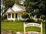 Sunset Nook Cottage: On Lake, Charming, Sunsets, Boat Slip, Near Downtown!