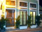 Contemporary Colonial Style Facade in Quaint Street walking distance from everything