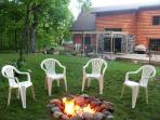 Enjoy a evening by the fire pit!