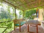 'the verandah' - communal area to cater up to 10 persons