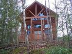 2 Bedroom Cabin W/King Log beds- Sleeps 6 Hot-Tub