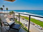 15% OFF APRIL - Ocean view penthouse suite in the heart of the Village