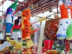 Stop at the Artisans' Market on your way to the Town Square/ Jardin