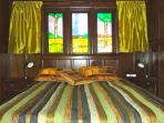 Bedroom w Queen size memory foam mattress