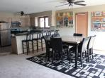 4 Bedroom House Sleeps 14 by Shady Gators, H Toad