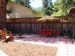 The Hungry Tortuga, Fully Fenced Yard, Russian River Escape