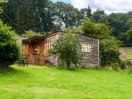 THE GARDEN LODGE, all ground floor, pet-friendly lodge in Llanyblodwel near