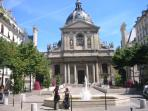 Situated at walking distance from the Sorbonne university