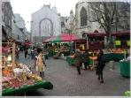 Situated at walking distance from rue Mouffetard