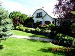 Front garden of Primrose