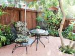 Patio's table and chairs