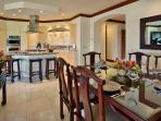 D102 Golden Mandarin Pool Villa - Indoor Dining For Six Guests and A Well-Equipped Kitchen