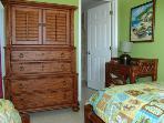 MAIN FLOOR Twin Bedroom with En suite Bathroom