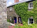 TY-DOLI, pet friendly, character holiday cottage in Llangattock, Ref. 3579