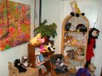 Playroom with Playhouse, Jungle Mural, Kids Books, Animals & Toys