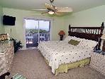 King Bedroom (1st floor)