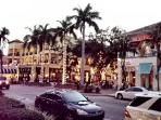 Downtown Naples' Fifth Avenue