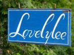 Lovelylee sign on M-22