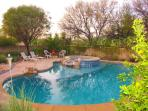 Tucson Paradise oasis yard w/pool & spa so you can float your cares away!
