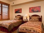 Emerald Lodge Twin Bedroom - 5206