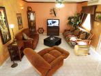 Living Room w Queen Futon Bed