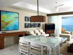 Grand Bliss Living Room - Photo by Martin Opladen - AHA Universo