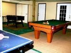 Gameroom Ping Pong, Foos Ball, Pool Table!