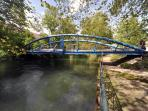 Thiou River & bridge / Riviere du Thiou & Passerelle